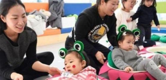 Bác phán quyết tước quyền nuôi con của mẹ Việt